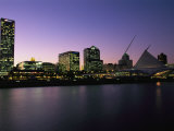 The Milwaukee Skyline at Twilight Fotografie-Druck von Medford Taylor