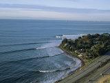 Epic Winter Surf Hitting Rincon Point Fotografisk tryk af Rich Reid