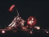 A Fireworks Display Crowns the Washington, D.C. Skyline Stampa fotografica di Bailey, Joseph H.
