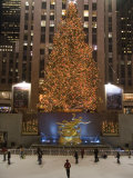 Rockefeller Center and the Famous Christmas Tree,Rink and Decoration, New York City, New York Fotografisk tryk af Taylor S. Kennedy