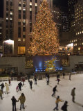 Rockefeller Center and the Famous Christmas Tree,Rink and Decoration, New York City, New York Papier Photo par Taylor S. Kennedy