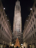 Rockefeller Center and the Famous Christmas Tree,Rink and Decoration, New York City, New York Lámina fotográfica por Taylor S. Kennedy