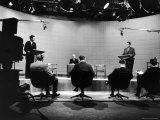 Presidential Candidates Senator John Kennedy and Rep. Richard Nixon Standing at Lecterns Debating プレミアム写真プリント : フランシス・ミラー