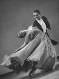 Frank Veloz and Yolanda Casazza, Husband and Wife, Top U.S. Ballroom Dance Team Performing Fotodruck von Gjon Mili