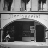 Exterior of Antique Shop Fotografie-Druck von William Vandivert