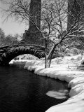 Gapstow Bridge over Pond in Central Park After Snowstorm Photographic Print by Alfred Eisenstaedt