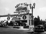Exterior of the Hartford Rent a Car Lot Premium Photographic Print by Alfred Eisenstaedt