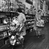 Shoppers at Large A&P Grocery Store Photographic Print by Alfred Eisenstaedt