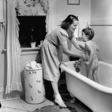 Housewife Jane Amberg Bathing Her 4 Year Old Daughter Pamela Photographic Print by William C. Shrout