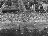 Aerial View of Crowds Enjoying a Hot 4th of July at Rockaway Beach Photographic Print by Sam Shere