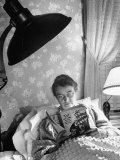 Journalist Elizabeth May Craig Reading at Home in Bed Premium Photographic Print by Marie Hansen
