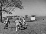 Children Playing at Recess Impressão fotográfica premium por Bernard Hoffman