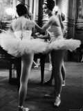 Ballerinas Practicing at Paris Opera Ballet School Fotoprint van Alfred Eisenstaedt