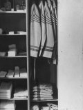 West Point Cadet's Locker Neatly Arranged in Barracks at the US Military Academy Fotografiskt tryck av Alfred Eisenstaedt