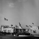 View Showing the Great Britain Pavilion at the New York World's Fair Photographic Print by David Scherman