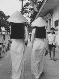 Fashions of Vietnamese Women Premium fotografisk trykk av John Dominis