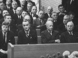 John F. Kennedy at Samuel Rayburn's Funeral Premium-Fotodruck von Michael Rougier