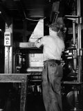 View of a Press Printing the Jewish Daily Forward Premium Photographic Print by Hansel Mieth