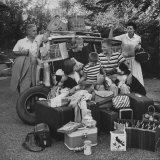 Richard Cleaves and His Family Moving to Louisville Photographic Print by Walter Sanders