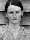 Portrait of a Solemn Annie Mae Gudger, Sharecropper's Wife, in Hale County Fotoprint av Walker Evans