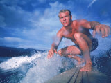 Surfer Nick Beck Riding His Surfboard in the Waters Off Hawaii Reproduction photographique sur papier de qualité par George Silk