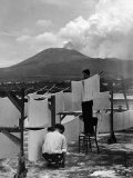 View of Mount Vesuvius from the Town of Torre Annunciata with Men Tending to Drying Pasta Fotoprint van Alfred Eisenstaedt
