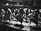Sumo Wrestlers Performing a Ritual Dance Before a Demonstration Match Fotografisk trykk av Bill Ray