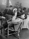 RAF Pilots Relaxing at a Rehabilitation Center Premium-Fotodruck von Hans Wild