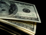 Close View of a Stack of One Hundred Dollar Bills Fotoprint van Todd Gipstein