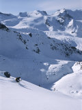 Skiing in the Selkirk Range, British Columbia, Canada Papier Photo par Jimmy Chin