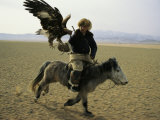 A Mongolian Eagle Hunter in Kazahkstan Fotoprint van Ed George