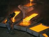 Molten Copper is Poured into Molds at Chuquicamata Copper Refinery Stampa fotografica di Sartore, Joel