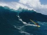 Windsurfing off the North Shore of Maui Island Fotografisk trykk av Patrick McFeeley