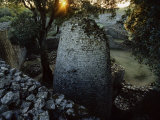 The 8th Century Conical Tower and Stone Enclosure Ruins, Great Zimbabwe Ruins Fotografisk tryk af Randy Faris