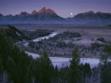 Dawn Strikes the High Ridge of the Teton Range Fotografisk tryk af Raymond Gehman