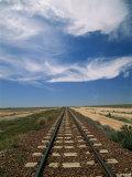 Train Tracks Crossing the Australian Outback Fotografisk tryk af Richard Nowitz