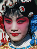 Chinese Woman in Theatrical Makeup and Costume Lámina fotográfica por Chesley, Paul