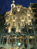 Exterior View of an Antoni Gaudi Building in Barcelona Stampa fotografica di Nowitz, Richard