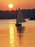 Sailboat and Sunset, South River, Maryland Fotografisk tryk af Skip Brown