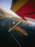 Hang Gliding with Wing-Mounted Camera over Telluride Lámina fotográfica por Brown, Skip