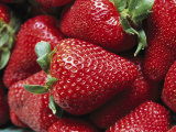 Close View of Ripe Strawberries Fotoprint van Marc Moritsch