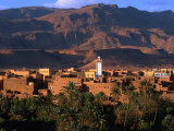 Village of Tinerhir on Banks of River Todra, Todra Gorge, Morocco Photographie par John Elk III