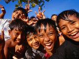 Exuberant Children, Nusa Dua, Bali, Indonesia Fotografisk tryk af Paul Kennedy