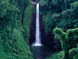 Sopo&#39;Aga Falls Dropping 50M into Gorge, Upolu, Samoa, Upolu Photographie par Tony Wheeler