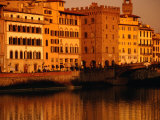 Buildings and Bridge along Arno River at Sunset, Seen from Oltrarno (South Bank), Florence, Italy Fotodruck von Damien Simonis