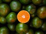 Mandariner till salu, Serian, Sarawak, Malaysia Fotografiskt tryck av Mark Daffey