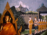 Images of Buddha and People at Wat Phra That Doi Suthep, Chiang Mai, Thailand Fotografisk tryk af Paul Beinssen