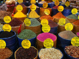 Teas and Spices at Spice Bazaar, Istanbul, Turkey Fotografisk tryk af Greg Elms