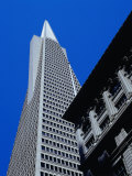 Looking Up at the Trans America Pyramid, San Francisco, USA Photographie par Brent Winebrenner