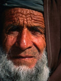 Bearded Afghan Man, Looking at Camera, Mazar-E Sharif, Afghanistan Fotodruck von Stephane Victor